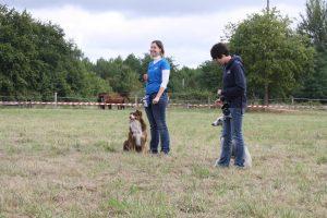 Photo de présentation pour l'accueil du club canin. Sarah et Séverine sont présentes sur la photo